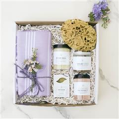 Allure Spa Gift Basket gift box is filled with handmade and organic ingredients spa products including Dead Sea Salt soak, Fair Trade Organic sugar scrub, Vegan Soap and Buble Bath salt.  That's not all!  It also includes a Caribbean grass sea sponge- perfect for a light exfoliation of the skin.