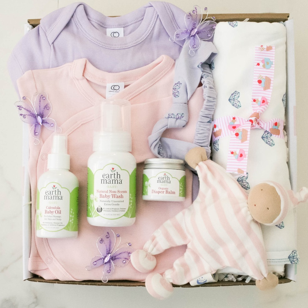 So Much Joy, Baby Girl contains Organic Diaper Balm, Calendula Baby, Natural Non-Scent Baby Wash, Classic Bodysuit-short sleeve 0-3 m, Brielle Headband Petal/Yarn Heart Print, Swaddle Blanket Coconut/Yarn Heart print, Classic Kimono Bodysuit- long Sleeve Blossom 0-3