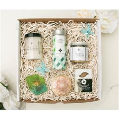 Coco Love gift basket consist of a pure coconut organic sugar scrub, rose gold druzy ring bath bomb, emerald gemstone ring soap, white coconut creme tea, ginger coconut almond soap, pure coconut dead sea bath salt in our signature gift box