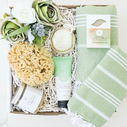 Emerald Spa gift basket from Gift Spa For Her category