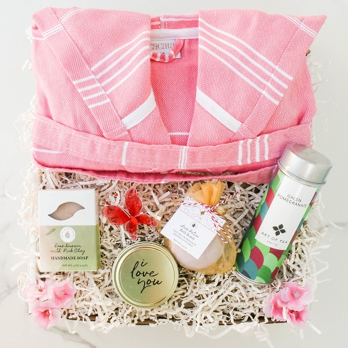 Pink Dreams gift basket from Spa Gifts For Her category
